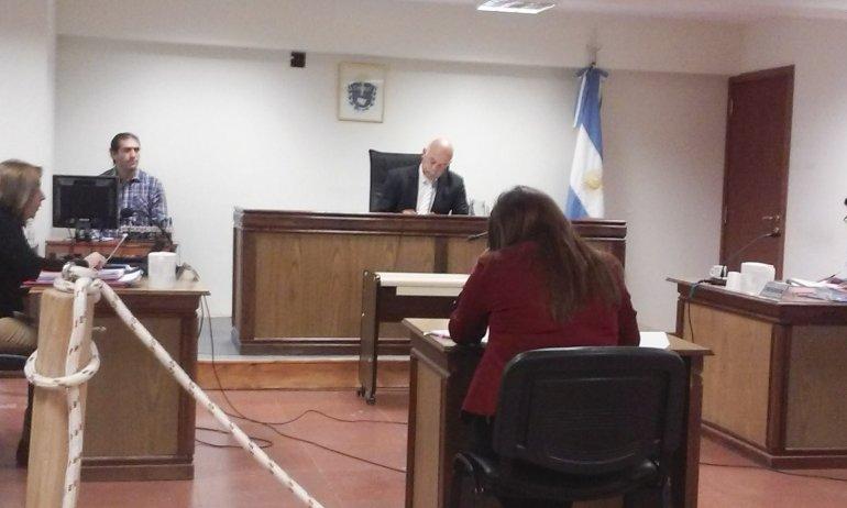 La Justicia de Sarmiento ayer mantuvo la internación en el COSE del menor de edad implicado en el asalto al director de la Oficina Judicial de esa ciudad.