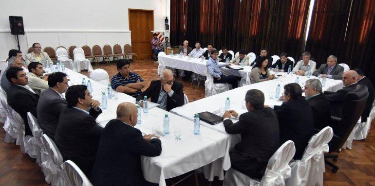 Intendentes en desacuerdo por aumento del 65% en diputados