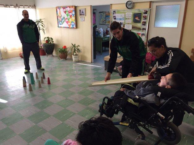 Jugadores de Gimnasia Indalo visitaron la institución Ser