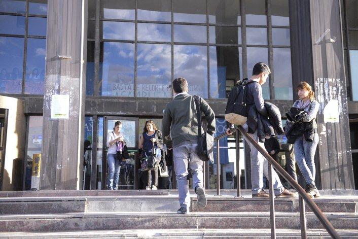 El miércoles y jueves paran los docentes universitarios en reclamo de paritarias