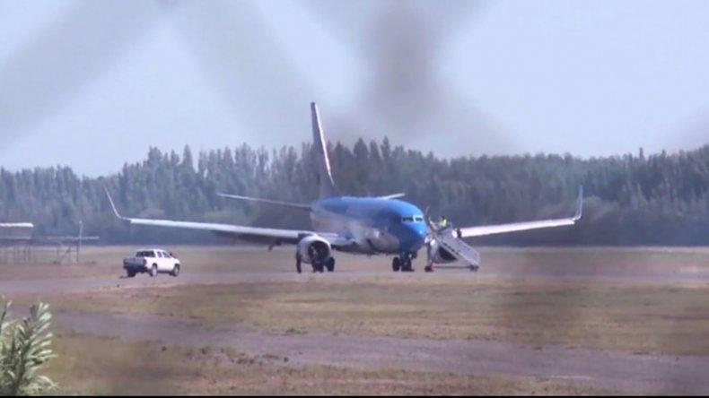 Luego de cumplirse con el protocolo de emergencia en el aeropuerto de Neuquén