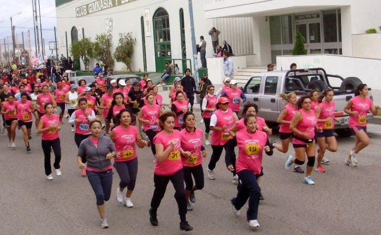 Las chicas salen hoy a correr temprano por un fin benéfico.