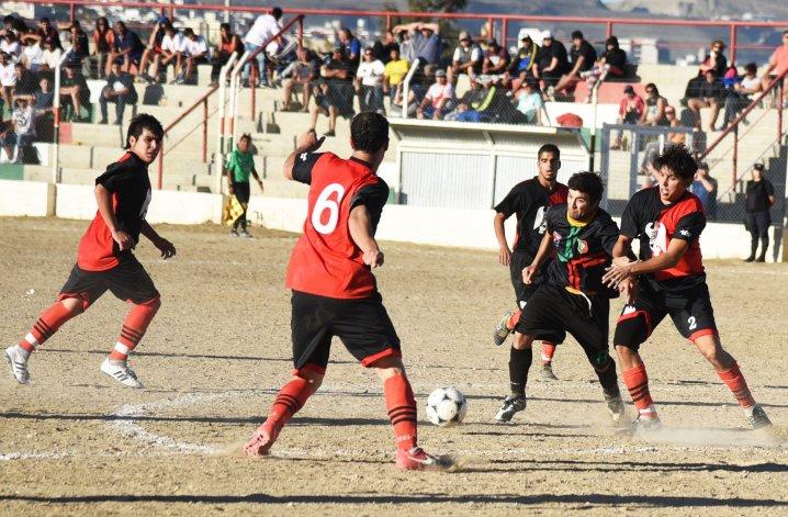 Portugués y Palazzo animaron un entretenido empate en terreno lusitano.