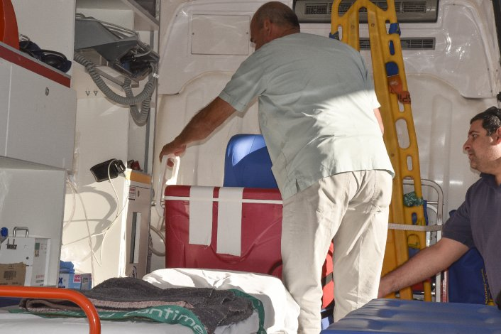 El traslado de los órganos hacia el avión sanitario .