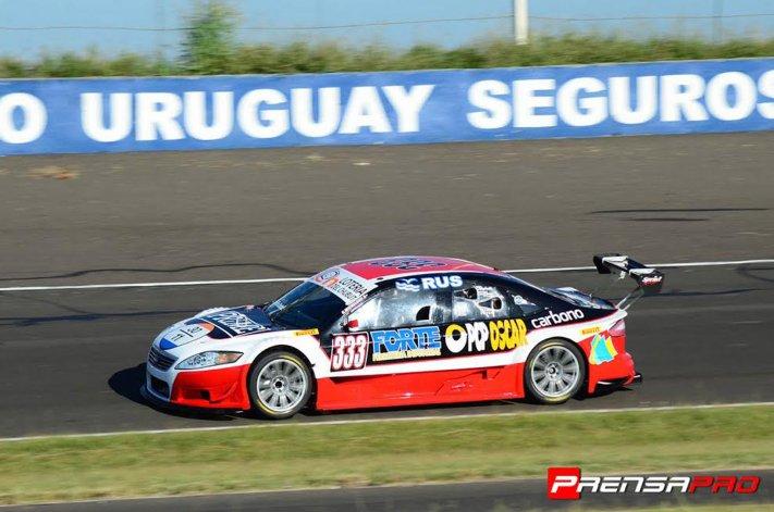 El Ford de Gustavo Michelod que finalizó ayer cuarto en pista