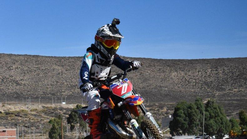 Camilo Gómez terminó segundo en la categoría 50cc A detrás de Vicente Nacer.