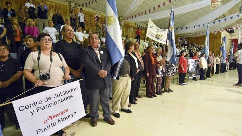 Delegaciones de adultos mayores ya interactúan en Puerto Madryn.