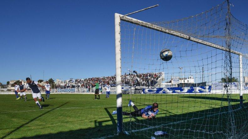 Jorge Newbery fue contundente y aplastó ayer 7-0 a Deportivo Las Heras.
