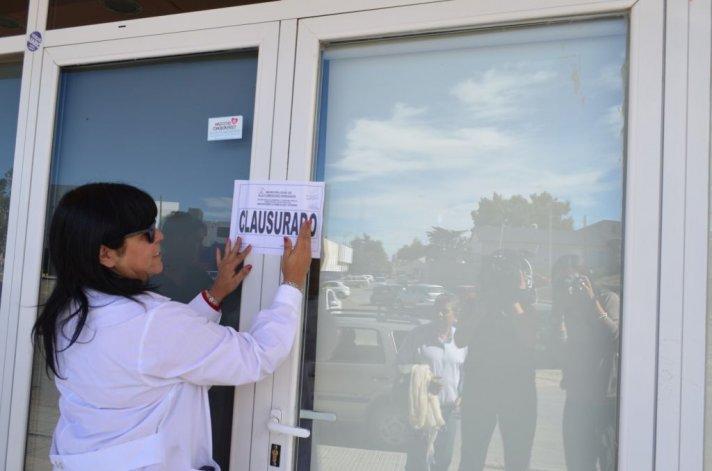 Una rotisería y una panadería fueron clausuradas esta mañana