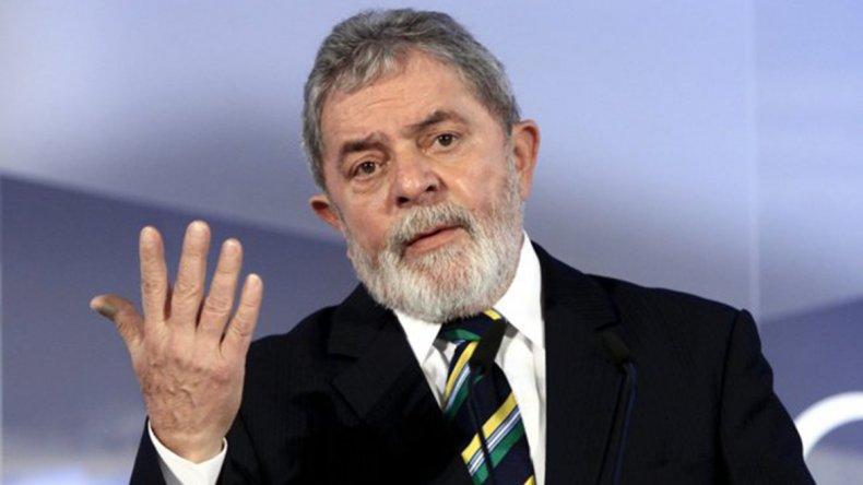 Lula sorprendió anunciando que podría candidatearse a la Presidencia.
