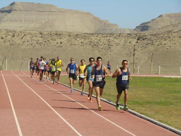La prueba de los 5.000 metros tuvo como ganador en varones a Mario Rodríguez.