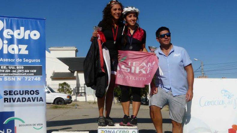 Ana Paula Sahonero ganadora de los 20K y Natalia Lucas que venció en la prueba de los 10K.