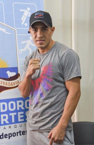 Héctor Tigre Saldivia está listo para subirse al ring y buscar el título Argentino de la categoría Superwelter.