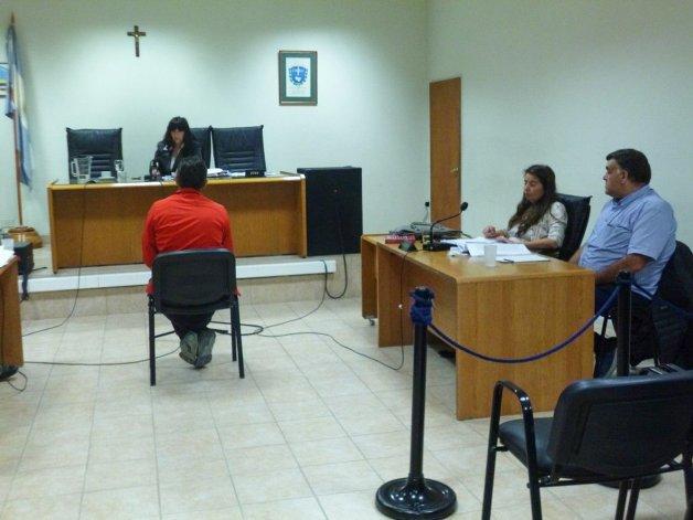 La Fiscalía y la querella pidieron que se declare la responsabilidad penal del hombre juzgado por amenazas