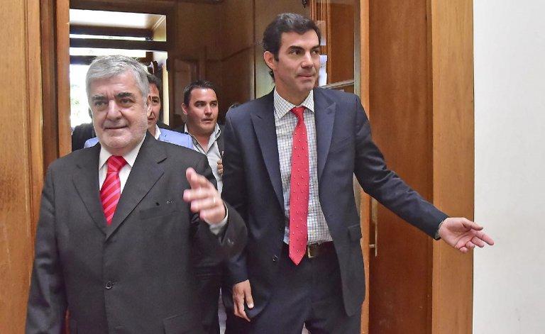 Das Neves y Urtubey durante la visita del gobernador salteño a Chubut.