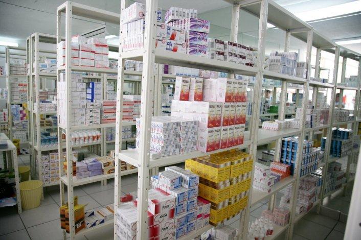 Farmacéuticos denuncian suba de hasta un 100% en los medicamentos