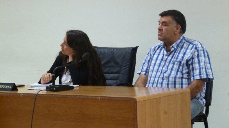 El condenado Ivo Marinho junto a su defensora pública Matilde Cerezo.