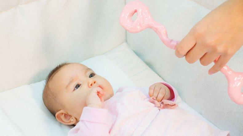 Futuros padres desconocen la posibilidad  de guardar el cordón umbilical de su bebé