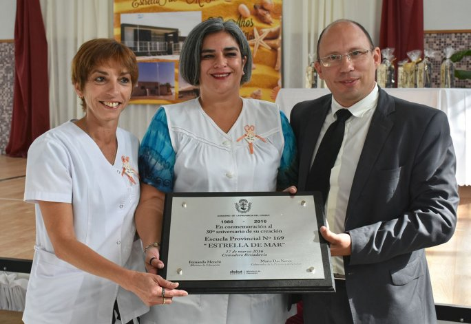 Fernando Menchi participó ayer del aniversario de la Escuela 169.