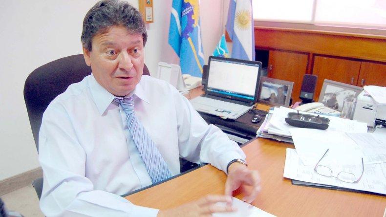 Cisterna anunció que el Ejecutivo vetará lo aprobado por la Legislatura.