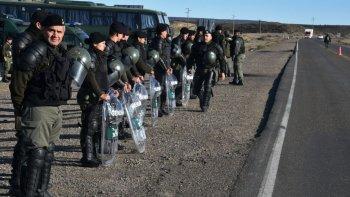 arribaran 700 gendarmes a chubut para colaborar con la policia