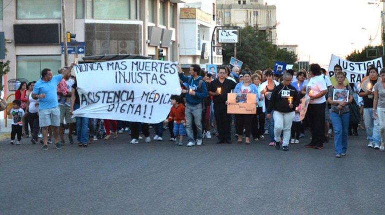 Los padres de Nicolás organizaron una marcha en marzo del 2014 pidiendo justicia por su hijo. Foto: Archivo El Patagónico.