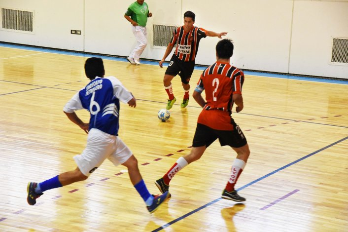 La acción del futsal mayor continuará hoy en Comodoro Rivadavia.