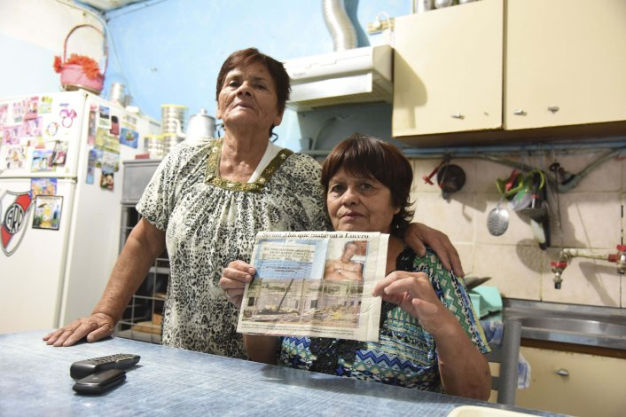 María Jaques junto a su madre