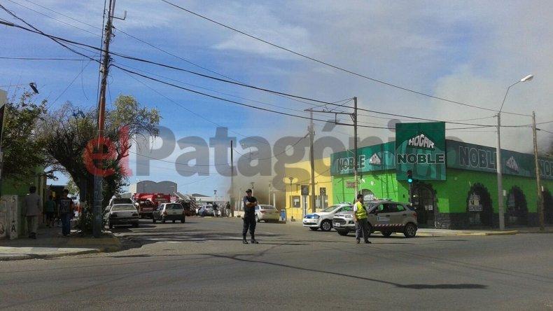 Incendio en el bar Irlanda: un bombero resultó herido