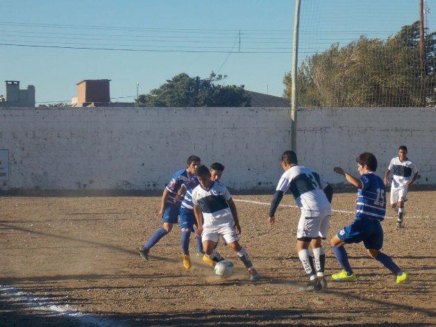 Jorge Newbery perdió 1-0 ayer ante el Deportivo Las Heras pero igual pasó a la siguiente instancia del Federal C.