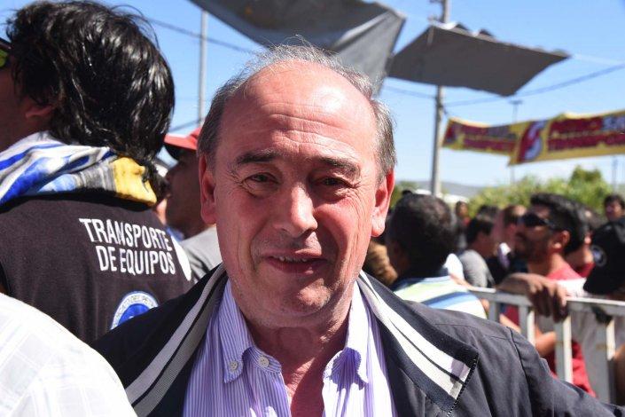José Santiago lleva más de tres décadas al frente del sindicato. Hoy se renuevan los cuestionamientos a su figura y se presenta una lista opositora.