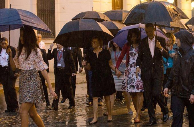 Fervor popular por Obama en La Habana bajo una intensa lluvia