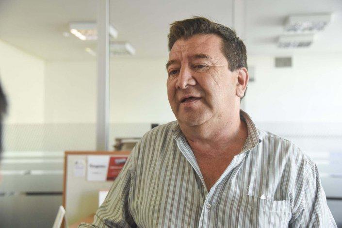 Emilio Sánchez es el responsable municipal de que las vecinales se vayan normalizando en sus respectivas conducciones.