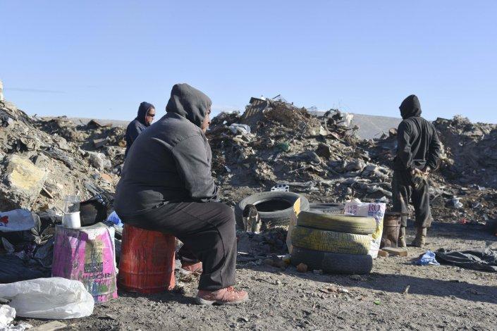 Trabajadores informales del basural le reclaman al municipio que ante el cierre del vertedero les den alguna salida laboral.