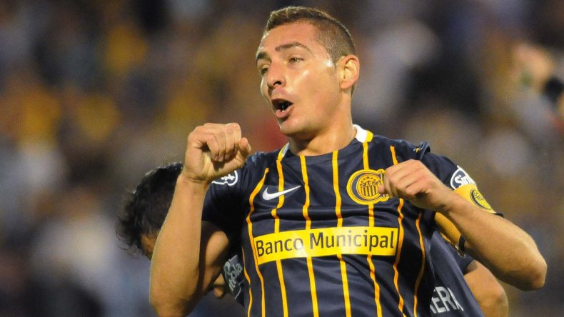 Marco Ruben festeja su gol anoche en la victoria de Central ante Sarmiento.