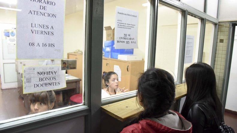 En la delegación de Transporte que funciona en la terminal de ómnibus no hay bonos para nadie.