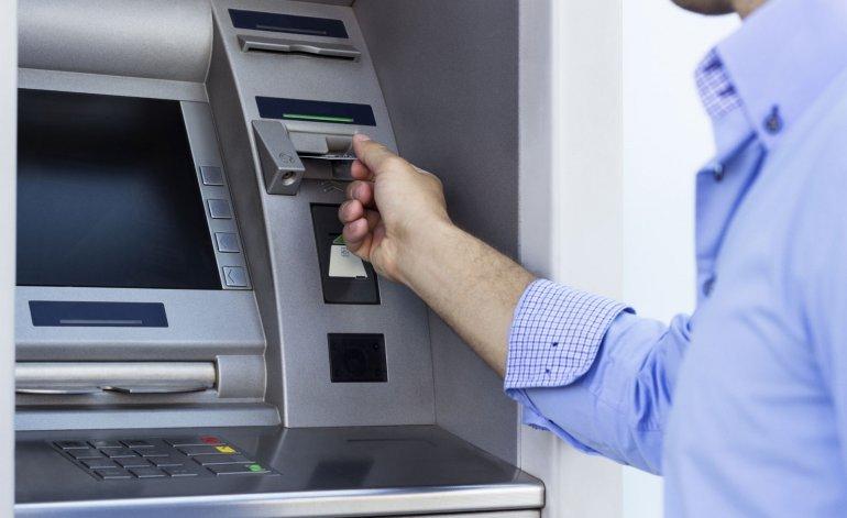 Las cajas de ahorro serán gratuitas pero liberan los topes de las comisiones