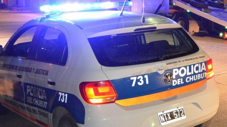 Abofeteó a su mujer, un vecino lo golpeó y lo llevó a la comisaría