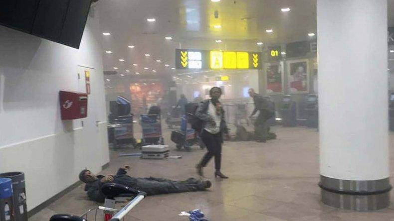 Al menos 34 personas murieron y decenas resultaron heridas tras los ataques terroristas que sufrieron la estación de metro y el aeropuerto de Bélgica.