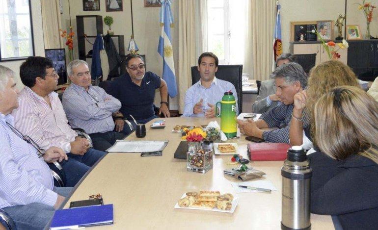 La reunión que mantuvieron ayer el viceintendente Juan Pablo Luque y el secretario de Hacienda