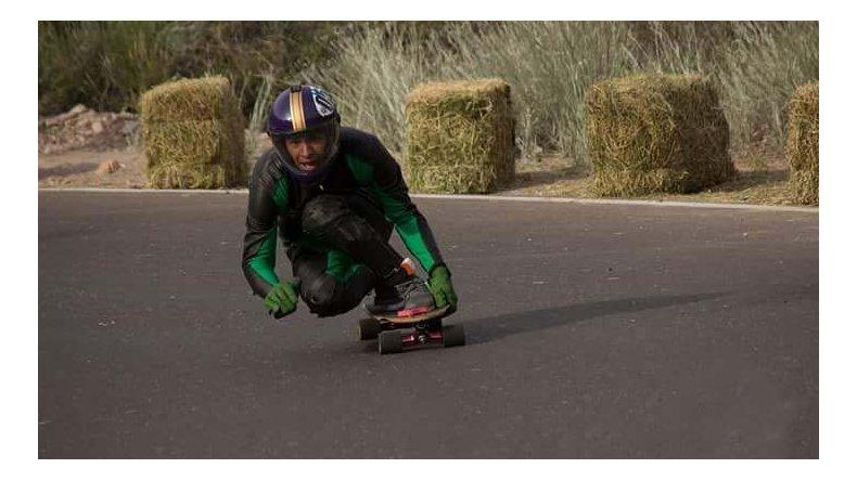 Esteban Escobar participa en la 1ª fecha federada de longboard este fin de semana en Esquel.
