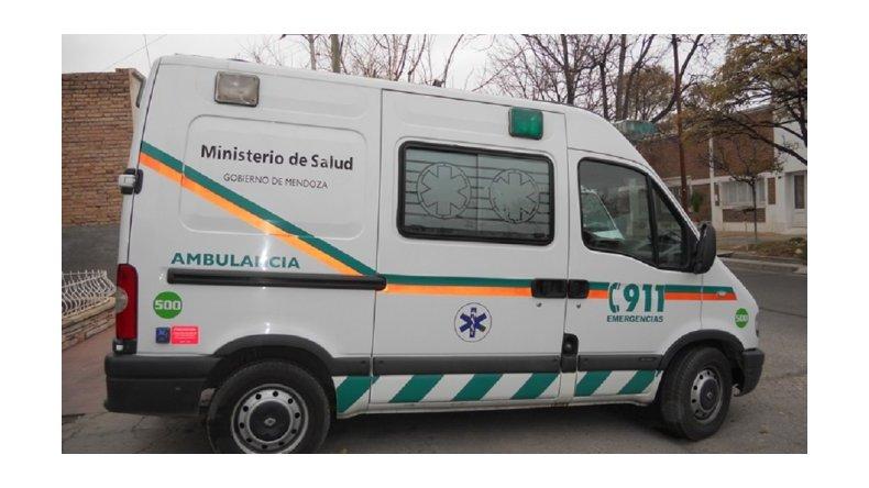 Mendoza: un hombre y su sobrino murieron aplastados por el auto que arreglaban