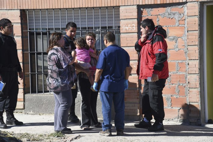 El incendio de un colchón amenazó con propagarse a toda una casa en el Pietrobelli