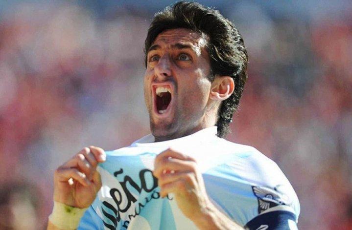 Milito continuaría si Racing sigue en la Libertadores