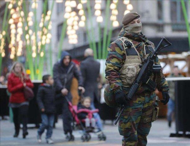 Bruselas continúa bajo fuerte vigilancia luego de los atentados del martes.