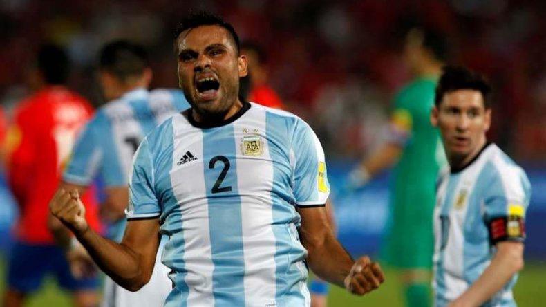 El chubutense Gabriel Mercado festeja el gol que le marcó la noche del último jueves a Chile.