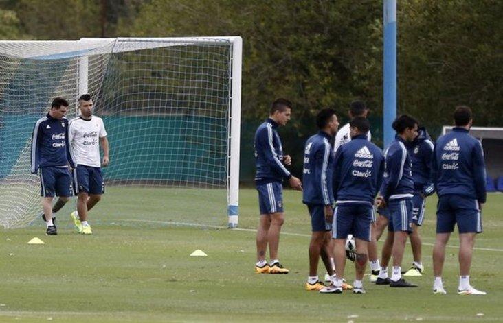 Argentina entrena pensando en el partido frente a Bolivia