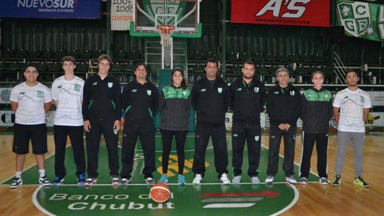 El cuerpo de profesores de las divisiones inferiores del club Gimnasia y Esgrima de Comodoro Rivadavia.