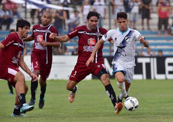 Guillermo Brown de Madryn dejó escapar la victoria en casa ante Central Córdoba de Santiago del Estero.
