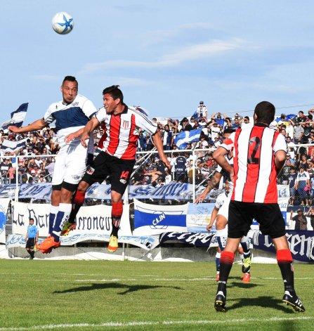 Florentino Ameghino se llevó un valioso empate de cancha de Newbery pero nada está dicho.